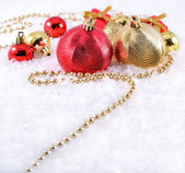 Golden and red Christmas decorations — Стоковое фото