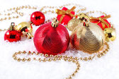 Golden and red Christmas decorations — ストック写真
