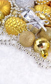 Golden and silver Christmas decorations — Zdjęcie stockowe