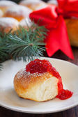 Bread buns with berry jam, selective focus — Stock Photo