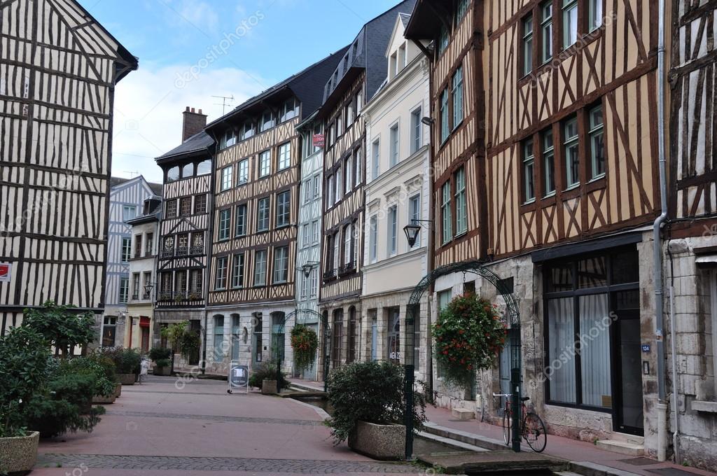 Rouen rue eau de robec photographie clicbird 13896916 for Le garage rouen tarifs