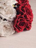 Rosas artificiales — Foto de Stock