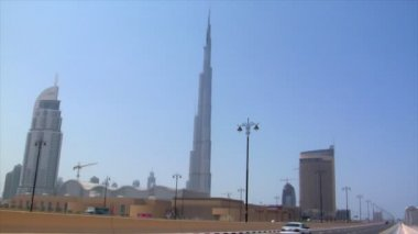 Pan from burj Khalifa dubai to emirate towers — Stock Video