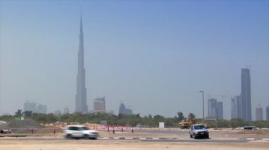 Traffic along dubai skyline 10295 — Stock Video