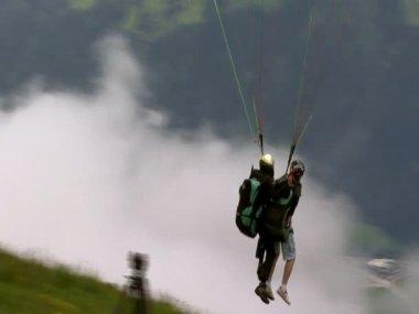 Paraglider start closeup 10322 — Stock Video