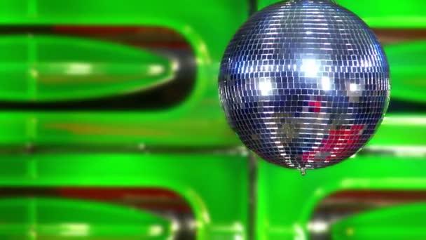 Bola de discoteca verde lentamente 10392 — Vídeo de stock