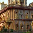 Stock Video: Thai temple monument tilt 10430