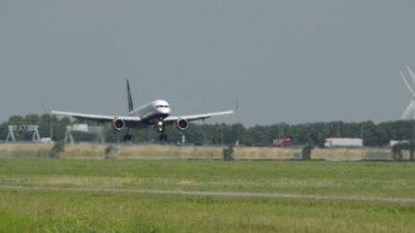 Islandair samolot lądowania 11017 — Wideo stockowe