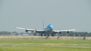 Klm boeing 747 jumbo aereo atterraggio vicino 11047 — Video Stock