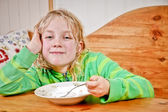 Child having snack — Stock Photo