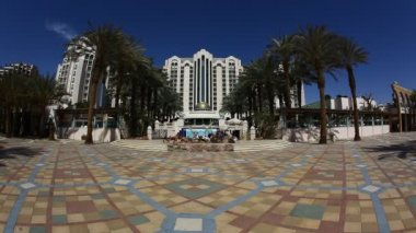 Herods Palace Resort and Spa Hotel Eilat: beach, promenade, mountains and bay — Stock Video