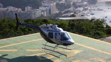 воздушный полет вертолета рио-де-жанейро бразилия — Стоковое видео