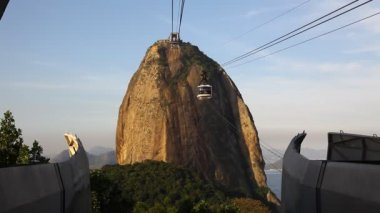 Sugar Loaf Mountain sunset cable car Rio de Janeiro Brazil — Stock Video