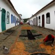 Making of the Tapestry of Corpus Christi in Paraty, Brazil — Stock Video