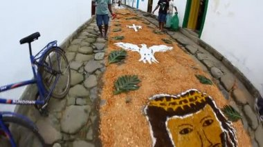 Walking on Tapestry of Corpus Christi in Paraty, Brazil — Stock Video