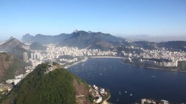 Aerial view of Rio de Janeiro Brazil beaches zoom in — Stock Video