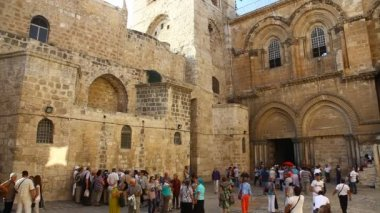 Church of the Holy Sepulchre: The entrance — 图库视频影像