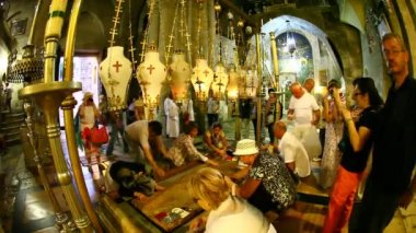 Church of the Holy Sepulchre: The Stone of the Anointing, The Stone of Unction — Vídeo de Stock