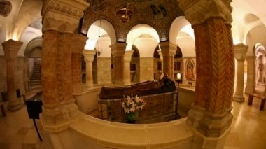 The Crypt at Basilica Church of the Dormition, Jerusalem — Stock Video