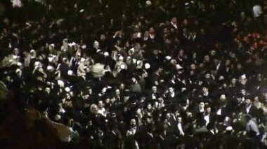 хасидские празднование лаг праздновавшие в мерон — Стоковое видео