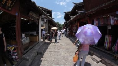 Old town Lijiang in Yunnan province, China — Stock Video
