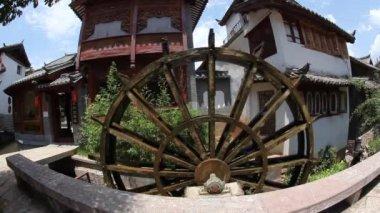 水轮机在旧镇丽江中国云南省 — 图库视频影像