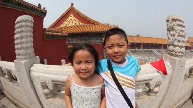 Kids at the Forbidden City, Beijing, fisheye — Stock Video