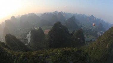 Hot air ballooning - Yangshuo, China — Stock Video