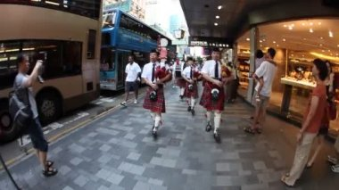 Bagpipes in Nathan's Rd. Hong Kong — Stock Video