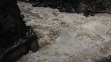 Tiger Leaping Gorge, China — Stock Video