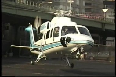 Helicopter taking off — Stock Video #22690313