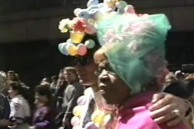 Easter hats in Fifth Avenue, New York, USA — Stock Video