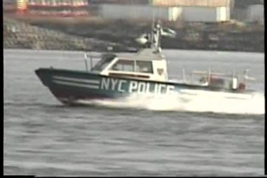NYC police boat — Stock Video