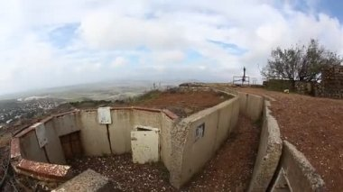 Abandoned bunker on top of Mount Bental, Golan Heights, Israel — Stock Video