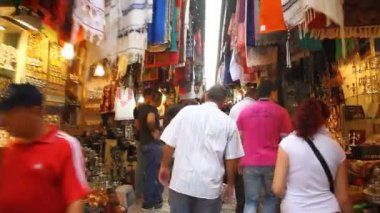 Tourists visit bazaar market street old Jerusalem — Stock Video