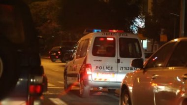 Israeli Police traffic examiner on assignment to examine a car accident — Stock Video