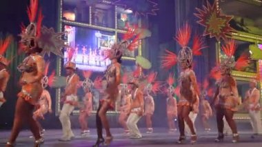 Carnival time! Happy dance with costumes all day and night — Stock Video