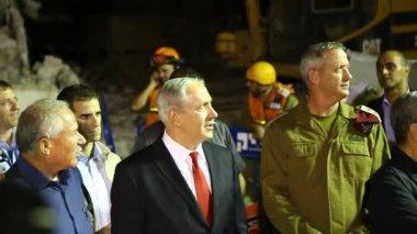 PM Benjamin Netanyahu with top Israeli leaders in earthquake simulation drill — Stock Video
