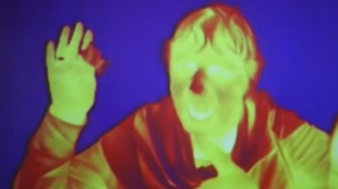 Infrared radiation thermal imaging camera of a woman — Stock Video