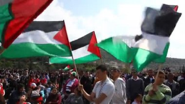 Muslim activists in anti Israel protest during commemoration of Land Day — Stock Video