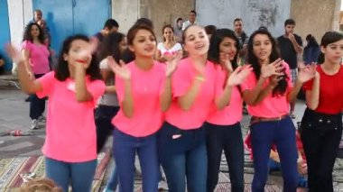 Upbeat modern Druze females dance Dabke — Stock Video