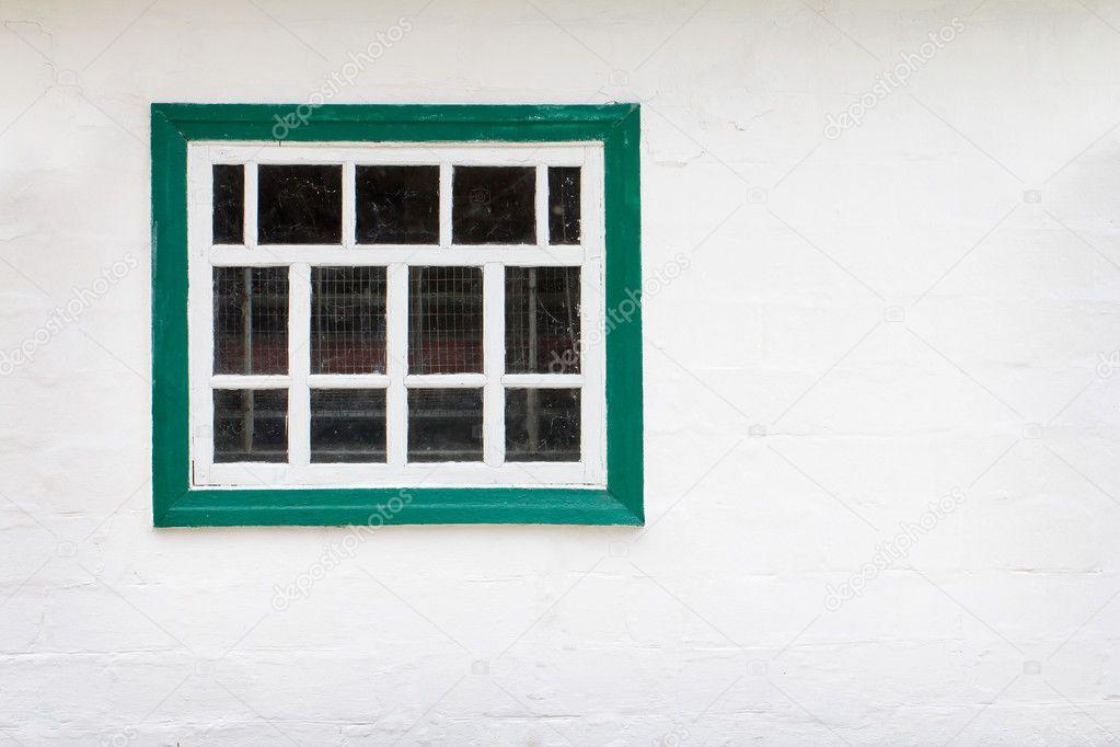 Mur blanc avec fond de cadre de fen tre verte for Ouvrir fenetre javascript