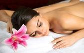 Beautiful woman in spa salon — Stock Photo