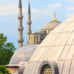 Голубая мечеть Стамбула с купол Святой Софии на переднем плане — Стоковое фото