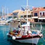 Greek island harbor village, Fiscardo, Kefalonia, Greece — Stock Photo
