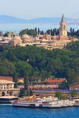 Topkapi Palace before Marmara sea, Istanbul, Turkey — Stock Photo