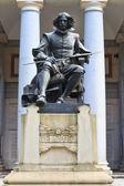 Statue of Velazquez in front of Prado museum, Madrid — Stock Photo