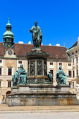 Vienna Hofburg Imperial Palace Inner Courtyard with Status of Emperor Francis-Joseph, Austria — Stock Photo