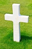 Marble Cross of fallen Soldier, American War Cemetery near Omaha — Stock Photo