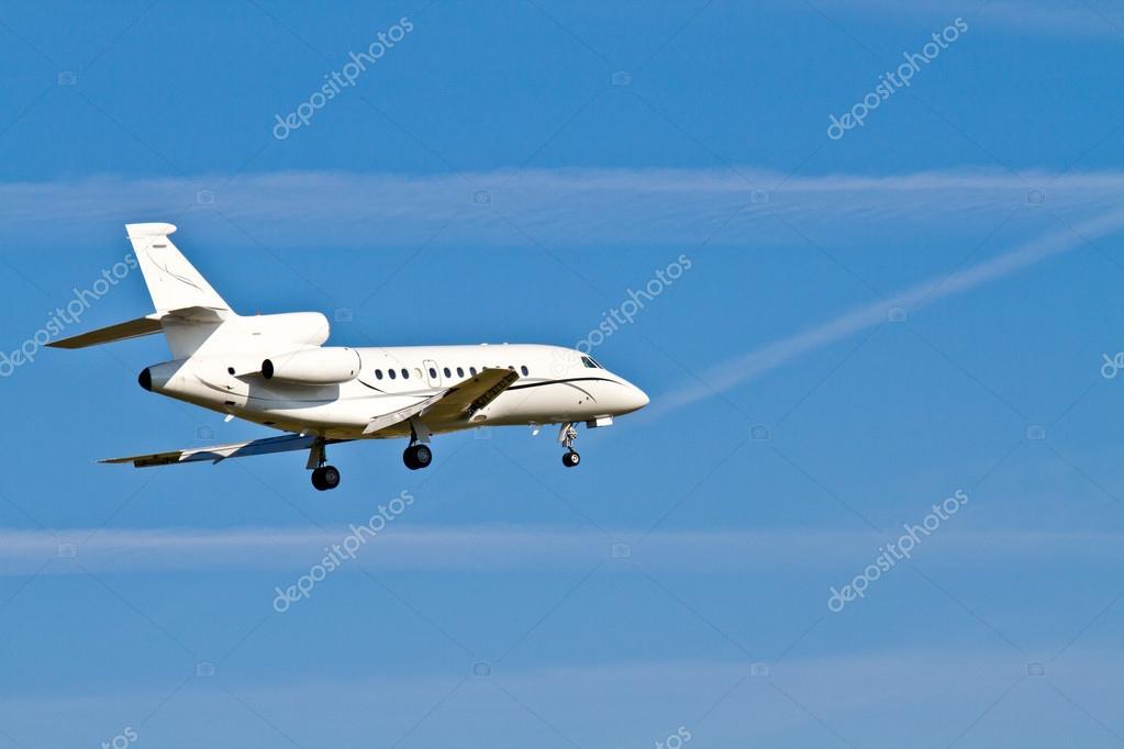 私人喷气飞机降落 — 图库照片08bertl123